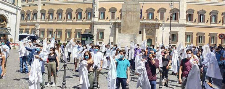 Imbuto formativo: cos'è e perché i giovani medici scendono in piazza
